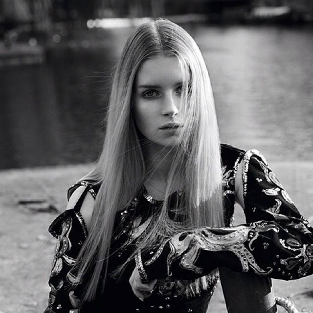 Featured image for Get to Know Lottie Moss: Kate Moss' Little Sis