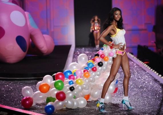 Lyndsey Scott - Victoria's Secret 2