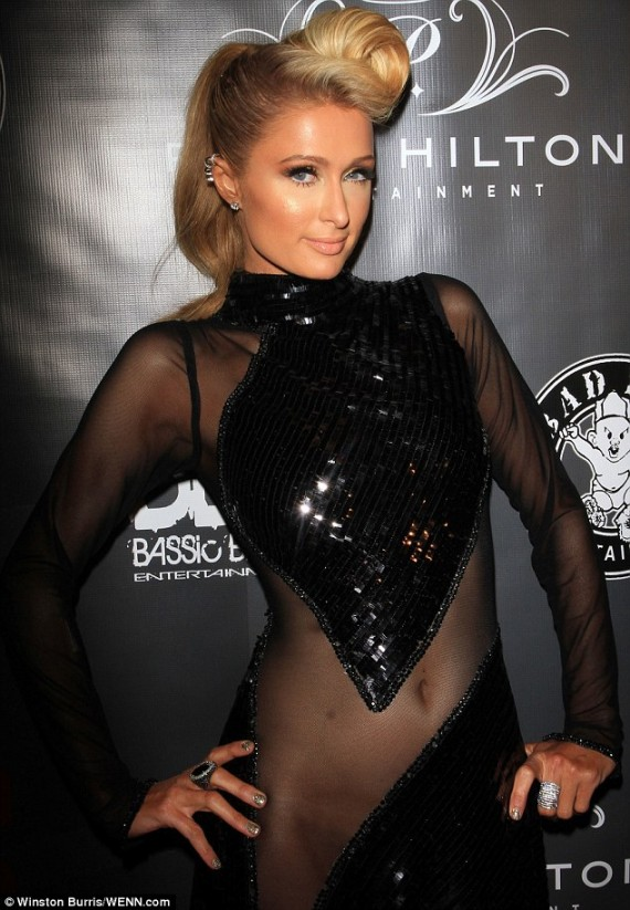 Paris-Hilton-PreGrammy2
