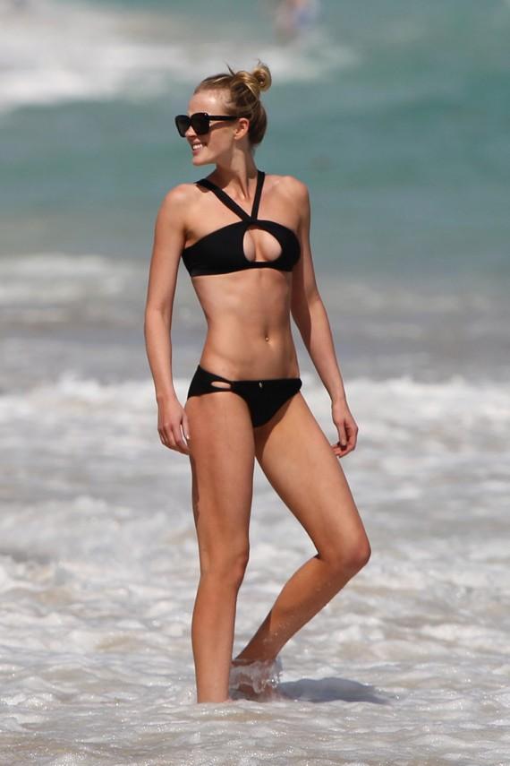 Anne V hot Bikini