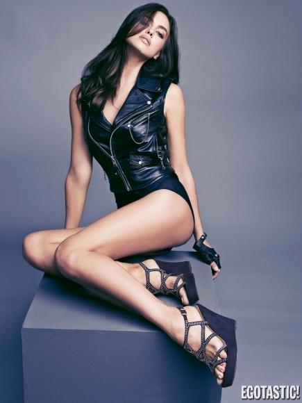 Featured image for irina shayk leather
