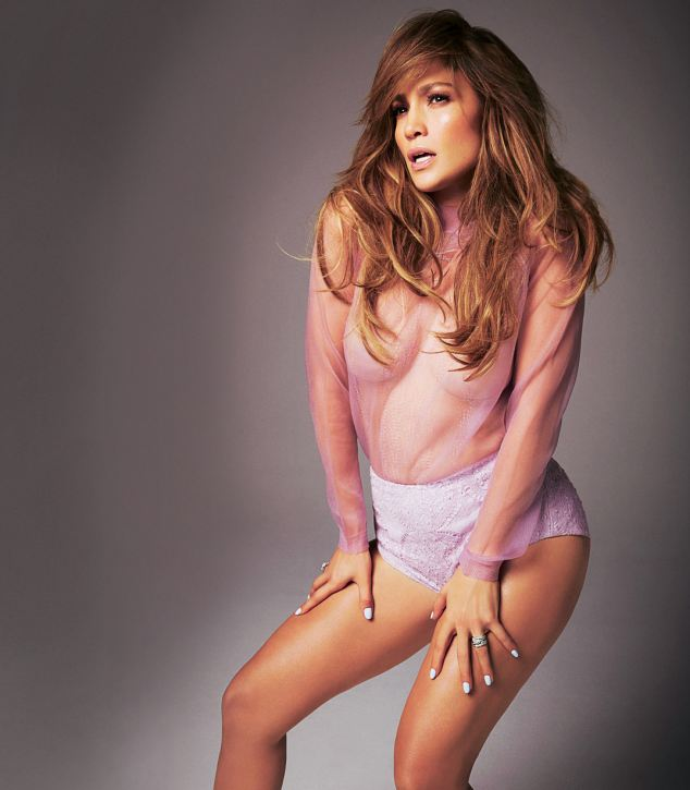 Featured image for jennifer lopez glamour