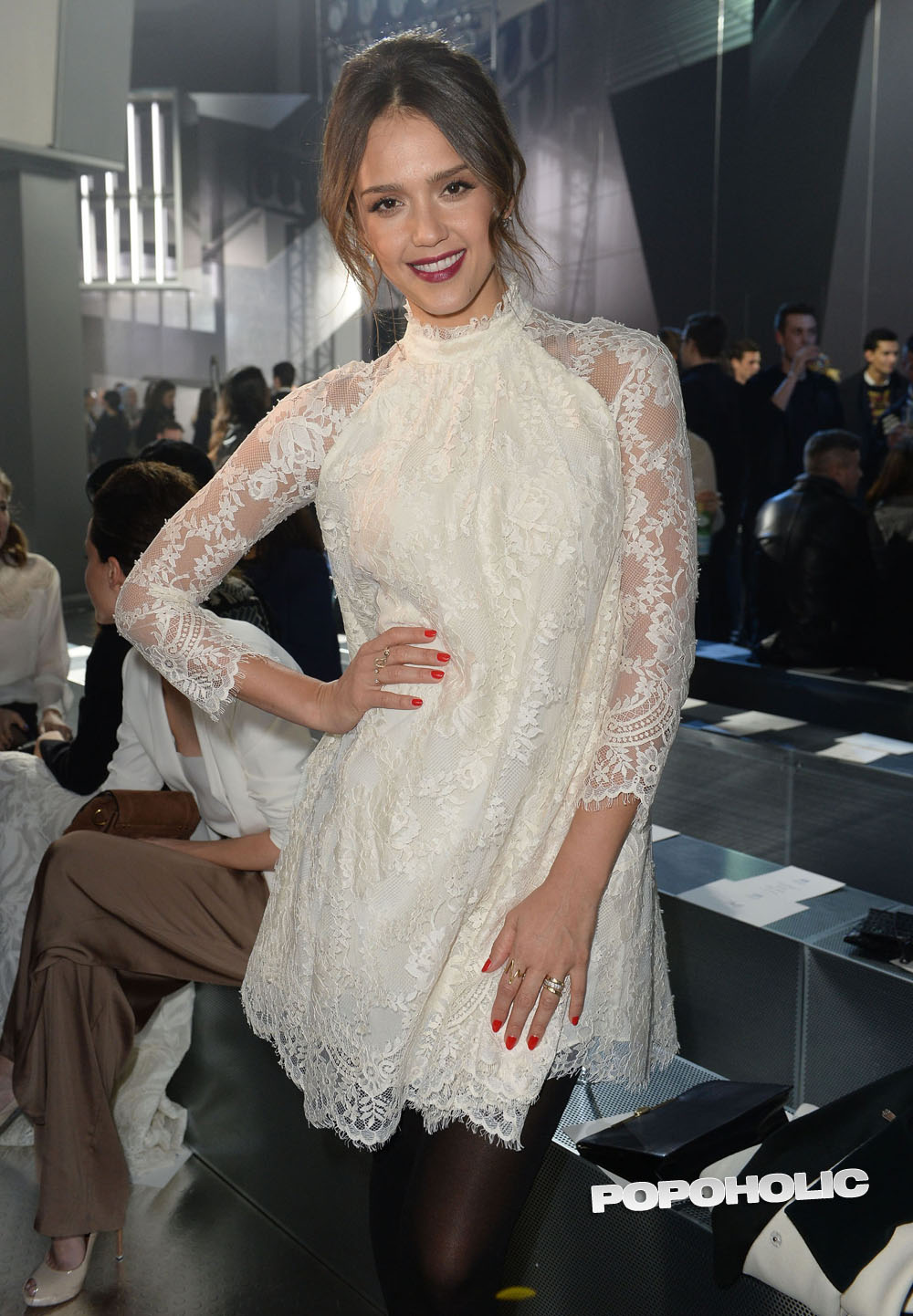 Featured image for Jessica Alba at Paris Fashion Week