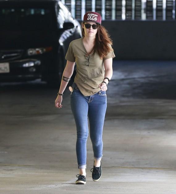Kristen Stewart curves