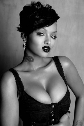 Lola Monroe Black and White