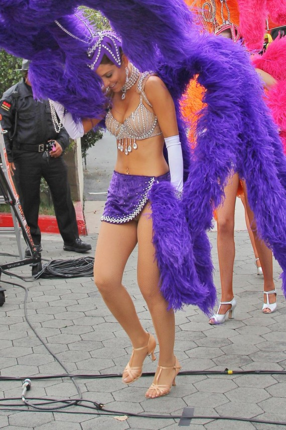 Maria Menounos hot showgirl