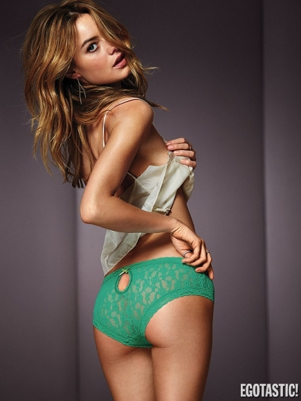 Camille Rowe Sells Things For Victoria's Secret!