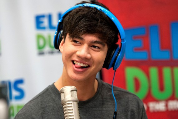 "5 Seconds Of Summer Visits The ""Elvis Duran Z100 Morning Show"" - Calum Hood"