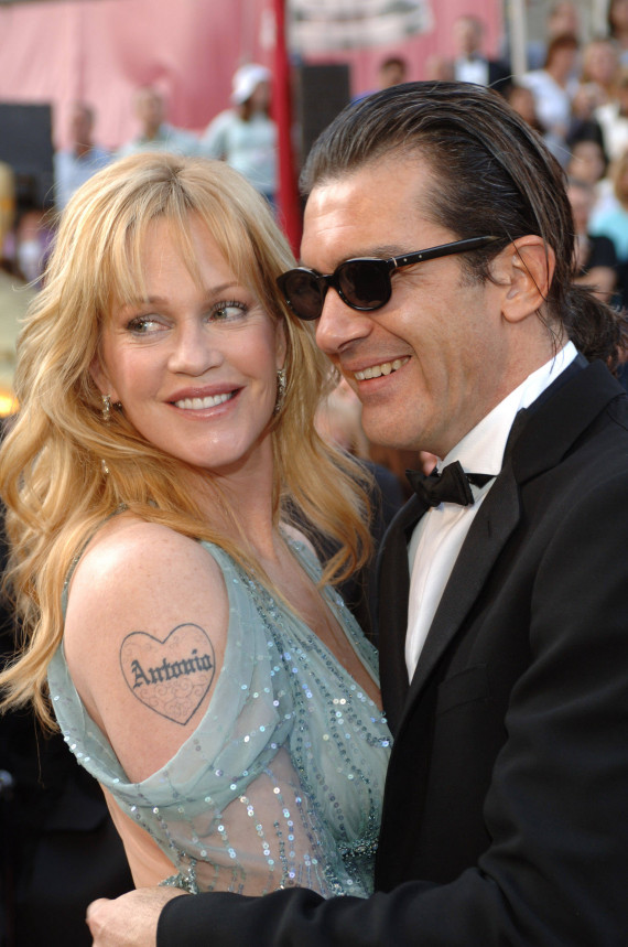 Academy Award performer Antonio Banderas arrives with his wife Melanie Griffith at the 77th Annual Academy Awards at the Kodak Theatre in Hollywood, CA on Sunday, February 27, 2005.  HO/AMPAS