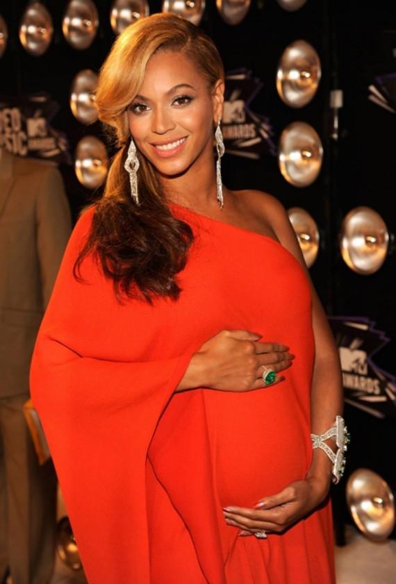 Beyonce pregnant