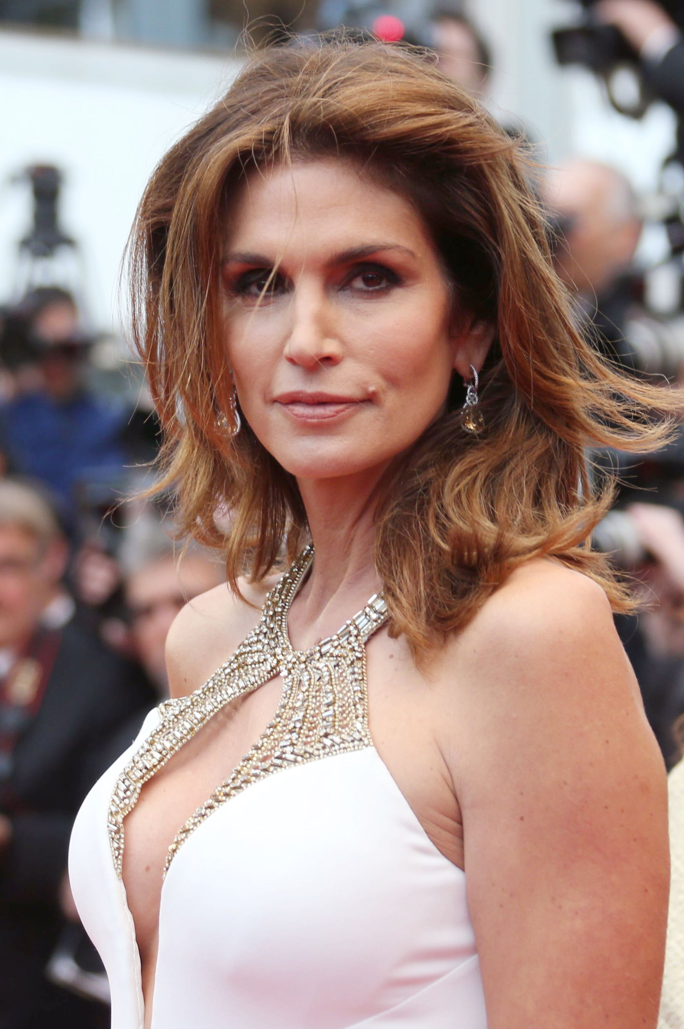 Cindy Crawford's Unretouched 'Marie Claire' Photo Causes A Stir