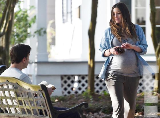 Jessica Biel pregnant