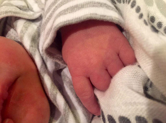 Carrie underwood gives birth to a baby boy for Mike fisher and carrie underwood baby