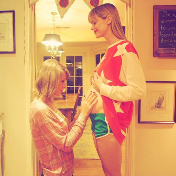 Jaime King and Taylor Swift