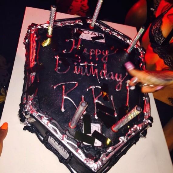 Rihanna 27th birthday cake