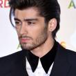 Zayn Malik LEAVES One Direction!