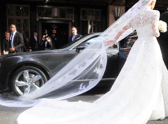 Nicky Hilton wedding gown stuck