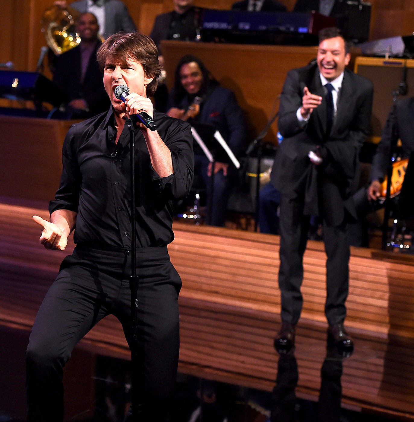 Tom Cruise & Jimmy Fallon Engage In A LIP SYNC BATTLE!