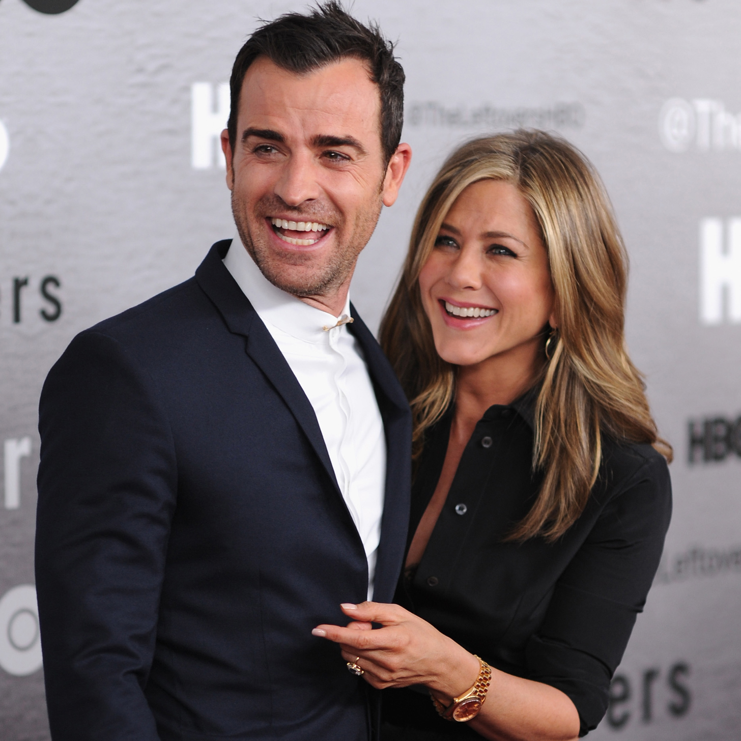 Jennifer Aniston & Justin Theroux Are Finally MARRIED!