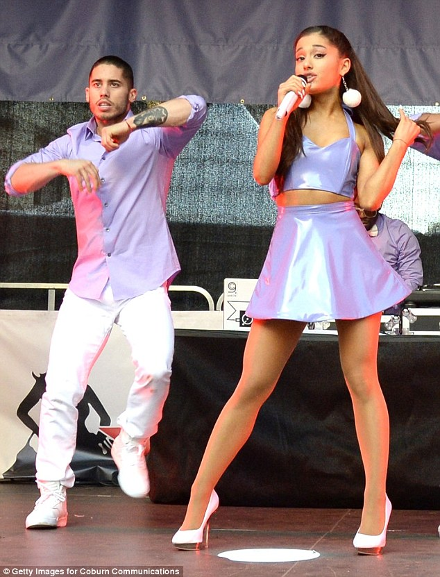 Ariana Grande Makes A Lot Of 'Impressions!'