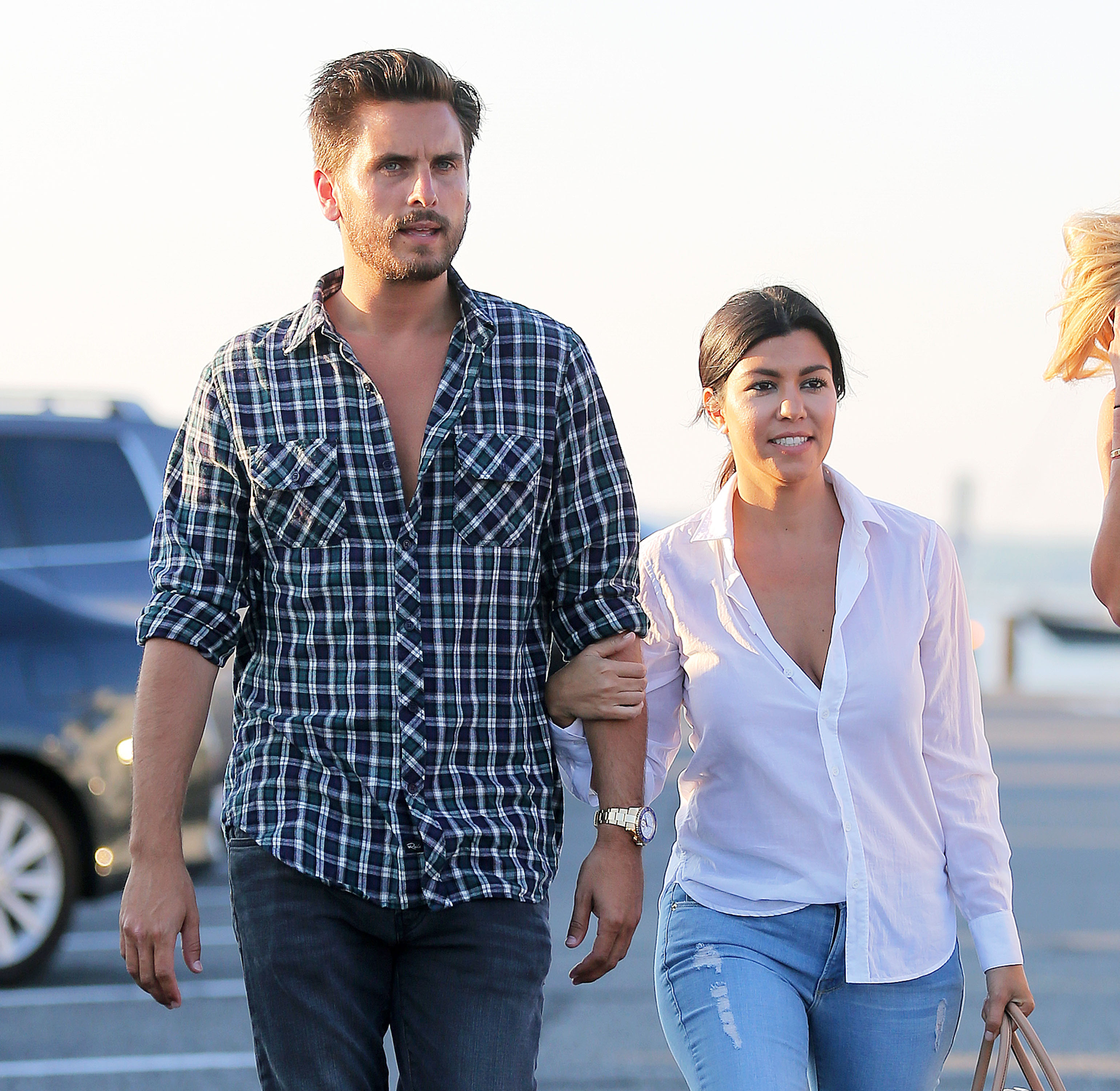Scott Disick WANTS Kourtney Kardashian Back!