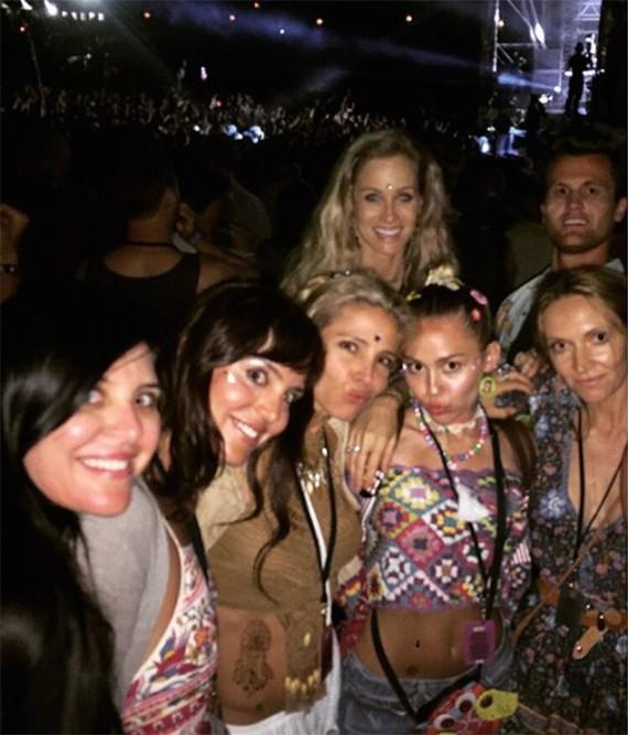 Miley Cyrus, Elsa Pataki, and Hemsworth in-laws