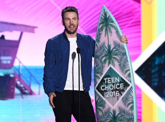 Chris Evans at the Teen Choice 2016