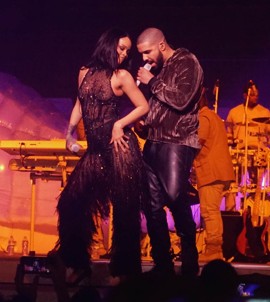 Rihanna and Drake Put on Romantic Display at Anti World Tour in Miami